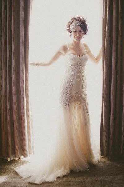 Old hollywood glamour wedding ideas wedding paperie for Old hollywood wedding dress
