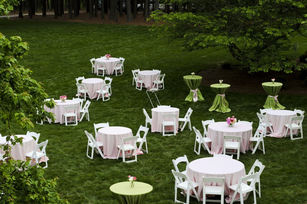 Backyard Wedding Ideas -- Planning an Affordable Alfresco Affair